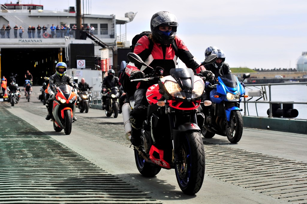 Image of motorbikes dismounting the vessel Manannan
